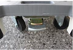 6輪台車ブレーキ